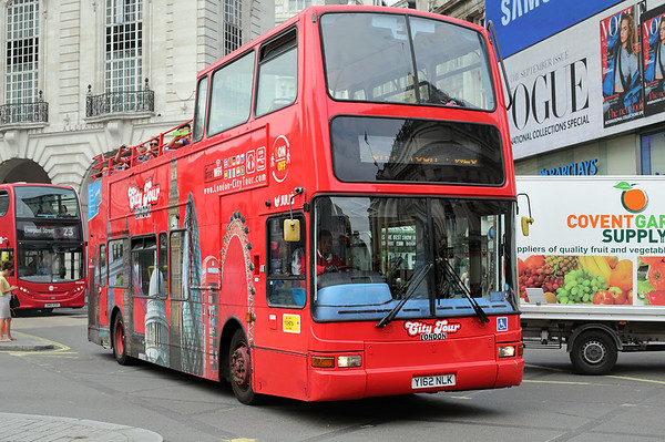 Y162NLK, Piccadilly Circus 18/8/2016