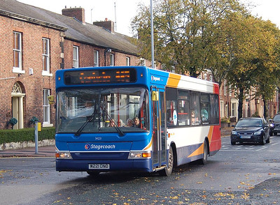 Stagecoach 34221 (W221DNO), Warwick Road, Carlisle, 12th October 2012
