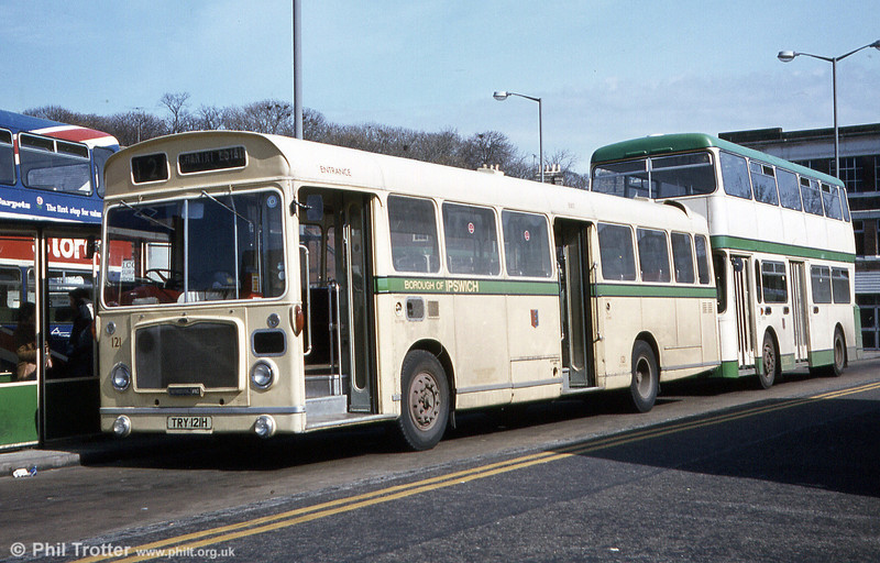 Fairly unusual amongst municipal operators was the Bristol RE/ECW combination. Here's dual door Ipswich Bristol RELL6L 121 (TRY 121H) of 1969 with B47D bodywork. These were obtained secondhand from Reading in 1980.