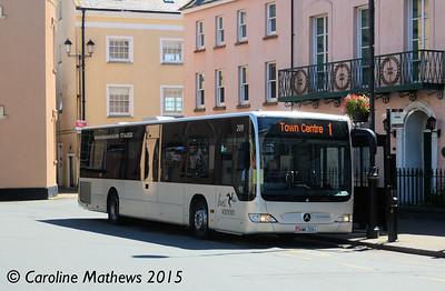 Bus Vannin 209 (KMN-209-L), Castletown Market Square, 22nd  June 2015
