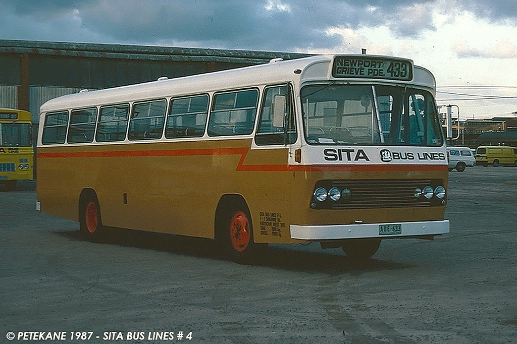 AUX-633 (ex m/o 5971) BEDFORD VAM70/CCMC 73.549 (07/02/74) (B47FR) (Chassis No. BJ382092) Photo Location: Sita Depot, Spotswood Vic. Photo Date: 1987 (Photo from the Peter Kane Collection) (NOTE: To Bosnjak 11/76 with Evans Sale, then 05/80 to Sita as AUE-633 [8])