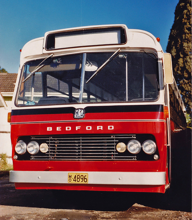 m/o 4896 (ex Evans m/o 5976) BEDFORD VAM70/CCMC 74.118 (01/06/74) (B47FR) Photo Location: Katen & Heath Depot, Fairfield. Photo Date: 1983 (NOTE: To Bosnjak 11/76 with Evans Sale, then 1980 to Katen & Heath, Fairfield NSW (Silverline) as m/o 4896. De-reg 1996, then re-reg 4/97 as m/o 9239)