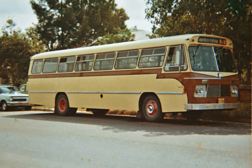 m/o 5384 BEDFORD VAM70/CCMC 69.269 (31/07/69) (B47FR) (Chassis No. 623394) – Photo Location: Outside Evans Depot, Sackville St, Fairfield. Photo Date: 1974 (NOTE: To Bosnjak 11/76 with Evans Sale, Re-Reg as m/o 4473, then seen 1990 owned by a Private School at Penrith)