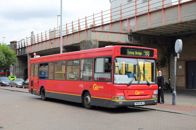 LDP225 SK52MLZ, Clapham Junction 22/5/2015