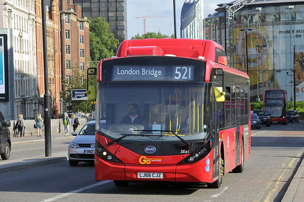 SEe1 LJ66CJZ, Waterloo Bridge 25/8/2017