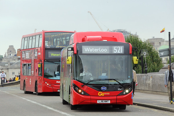 SEe11 LJ16NNT, Waterloo Bridge 21/8/2017
