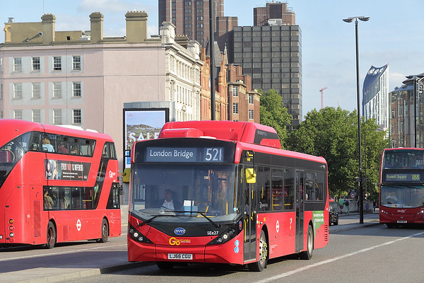 SEe27 LJ66CGU, Waterloo Bridge 25/8/2017