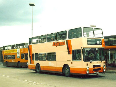 Some of the Leyland Olympians were reliveried for Express services such as 400, the Trans-Lancs Express. 3079 (B79RJA) is seen in Bury Interchange, 11th June 1986