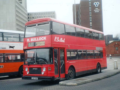Bullock's ex Southampton East Lancs bodied Leyland Olympian C285BBP, Stockport Bus Station, 7th April 1993