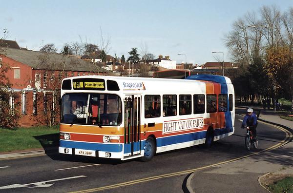 1237 KPA388P, Farnham 12/11/1993
