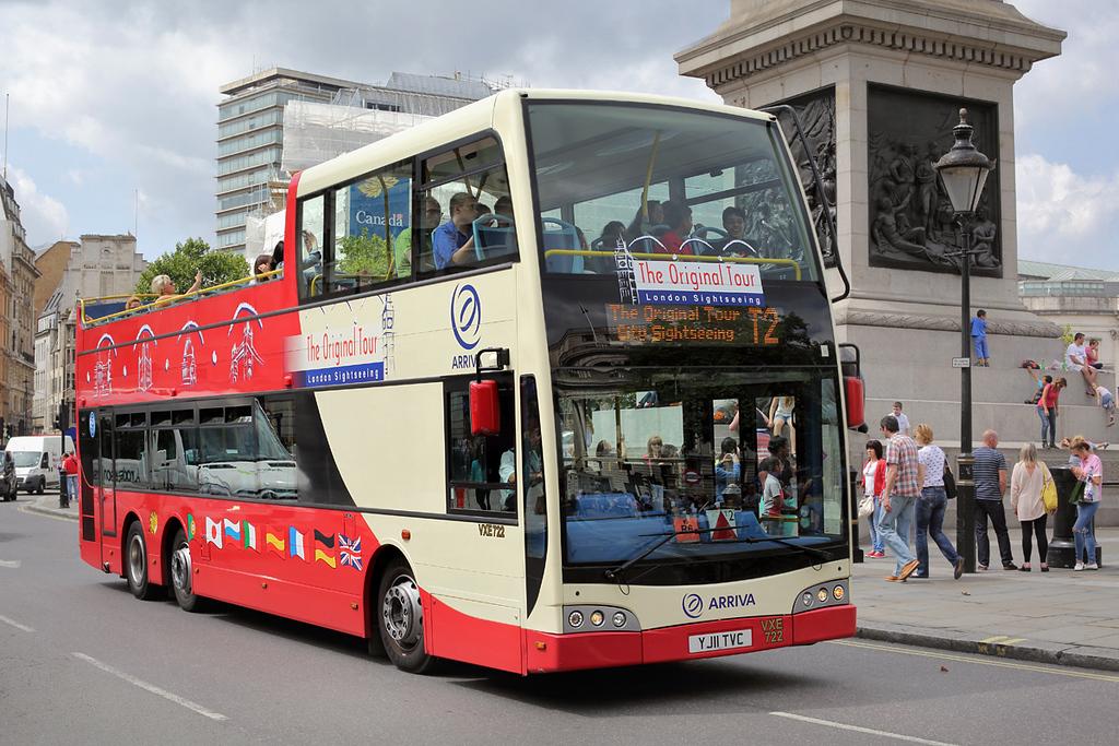VXE722 YJ11TVC, Trafalgar Square 6/8/2014