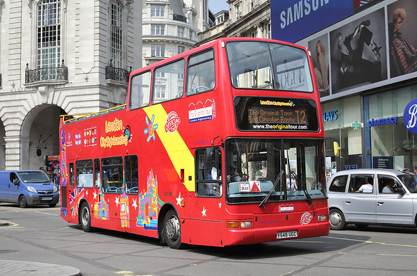 DLP248 Y548UGC, Piccadilly Circus 18/8/2016
