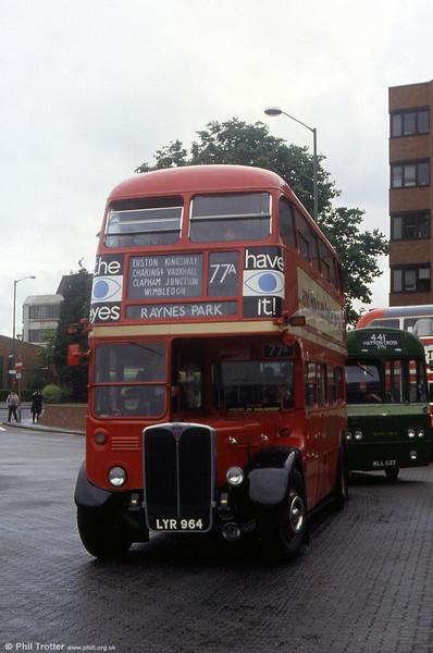 RT2794 (LYR964) seen in May 1993.