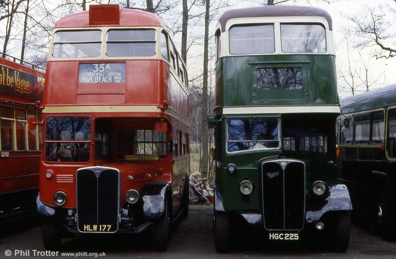 An early model RT, RT190 (HLW 177) seen alongside AEC Regent II/Weymann STL2692 (HGC 225) at Cobham Museum.