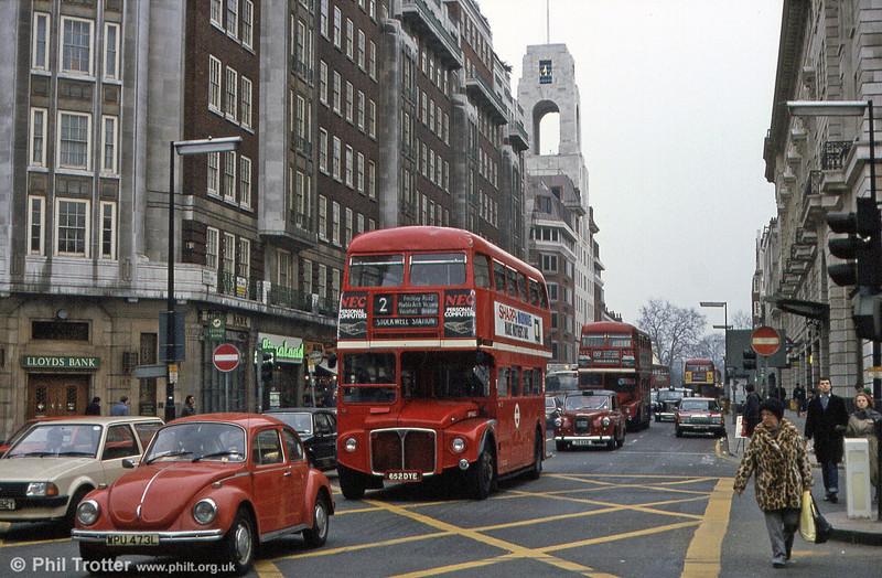 RM1652 (652 DYE) seen in Central London in March 1984.