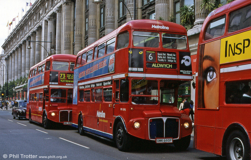RML2695 (SMK 695F) and RML2628 (NML 628E) seen in Oxford Street in August 1999. The bus is now in North Carolina, USA.