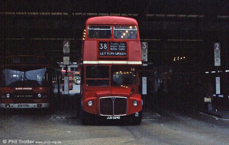 RML2524 (JJD 524D) at Victoria in March 1984.