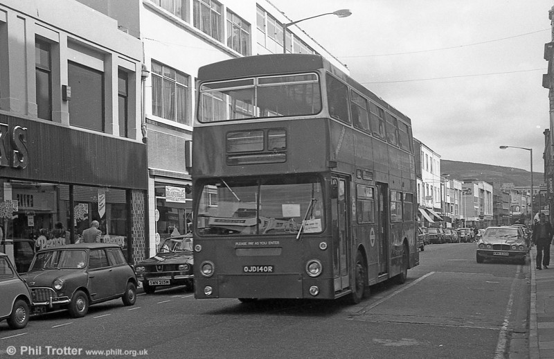 Another view of DMS2140 (OJD 140R) in Oxford Street, Swansea in September 1982.
