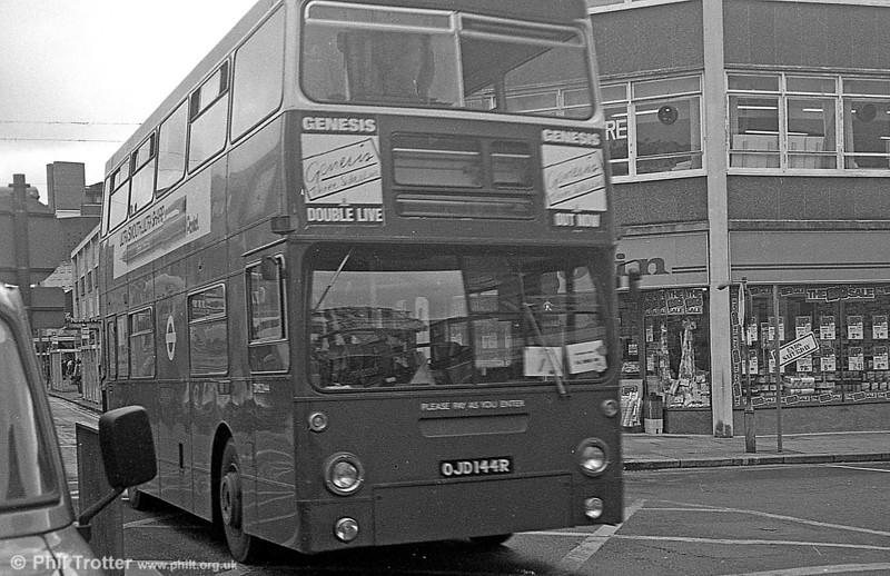 DMS2144 (OJD 144R) at Oxford Street, Swansea in September 1982.
