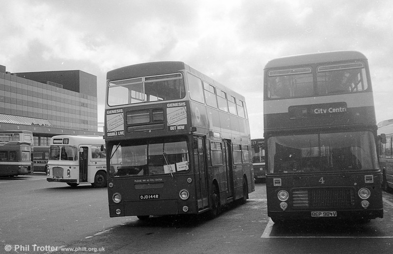 DMS2144 (OJD 144R) at the Quadrant Bus Station, Swansea while on hire to SWT in September 1982.