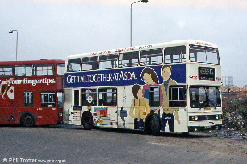Also photographed in March 1984 was T283 (KYN 283X), a Leyland Titan/Leyland H44/24D, seen when carrying an advertising livery.