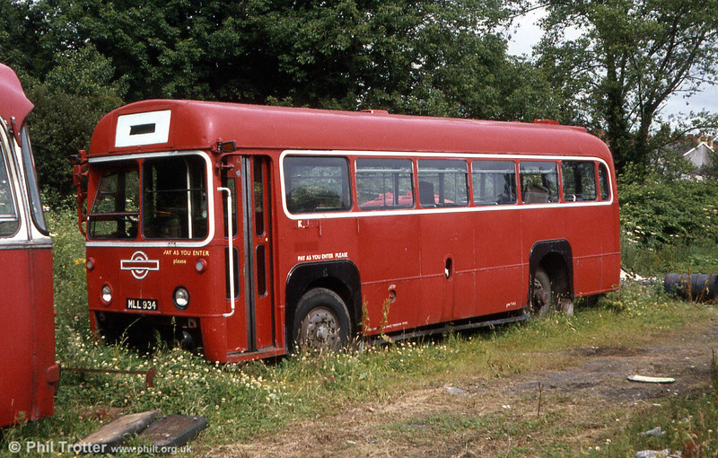 RF516 (MLL 934) laid up at the premises of Eynon's, Trimsaran. The bus had been withdrawn following engine failure.