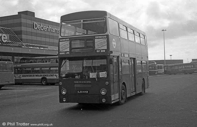 DMS2144 (OJD 144R) at the Quadrant Bus Station, Swansea while on hire to SWT in September 1982. The bus later was exported to Hong Kong.