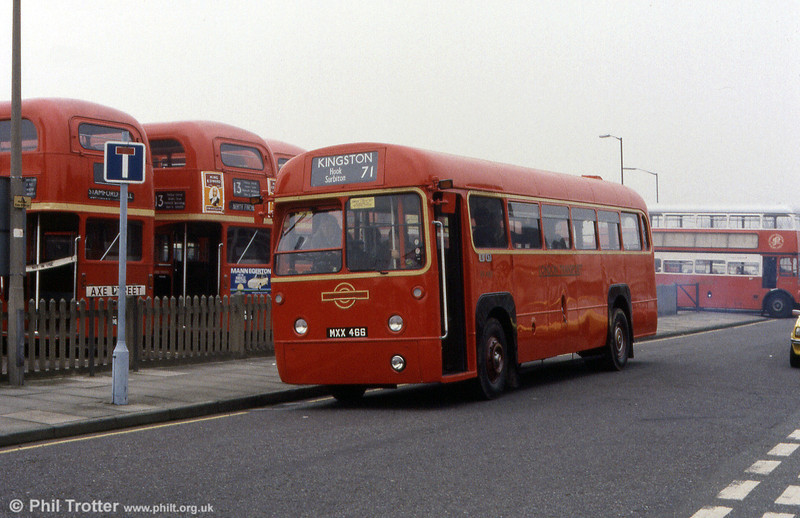 FR489 (MXX 466) at a Barking rally.