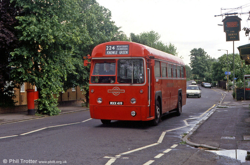 RF442 (MXX 419) near Staines in May 1993.