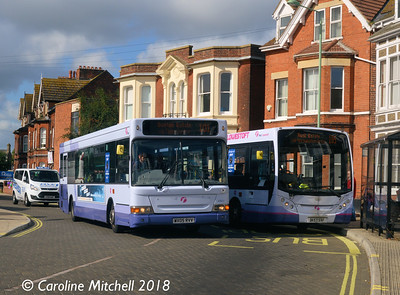 First 42911 (WX05PVV) and 44512 (DK57SXF), Gordon Road, Lowestoft, 28th September 2018