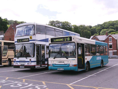 Arriva Wales 8114 (T564JJC), Llangollen, 20th June 2008