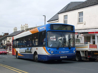 Stagecoach 33951 (V951DDG), Cinderford, 1st June 2011