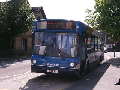 Stagecoach 33119 (R119KRG), Haslemere, 29th May 2009