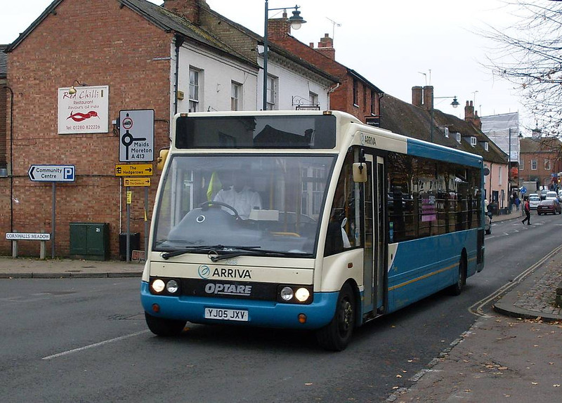 Arriva The Shires 2448 *YJ05JXV), Buckingham, 2nd November 2010