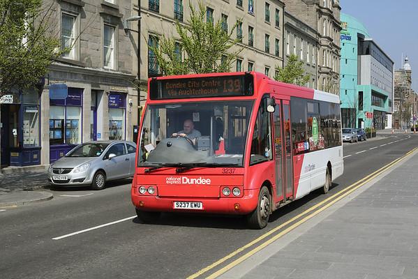 3237 S237EWU, Dundee 28/4/2014