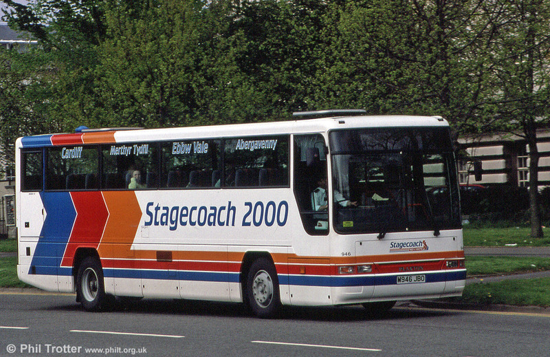 Stagecoach Red & White 946 (M946 JBO), a Dennis Javelin/Plaxton C47F carries Stagecoach 2000 branding when seen in May 1995.