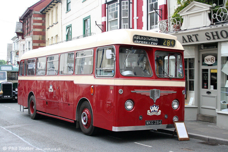 Western Welsh 1284 (WKG 284), a 1961 AEC Reliance/Willowbrook DP41F at Abergavenny on 4th May 2009.