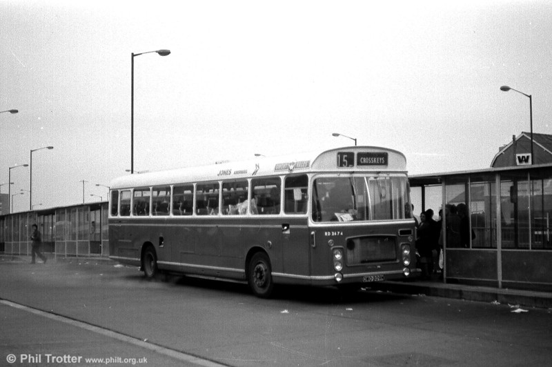 RD2674 (OWO 309M), a 1974 Bristol RELH6L/ECW DP49F carrying Jones (Aberbeeg) livery with NW Gwent Vales branding at Newport.