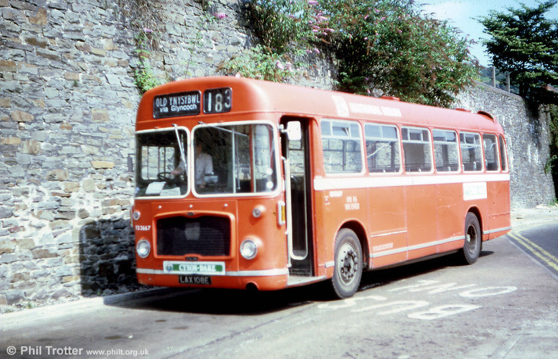 Former Red & White RESL6L RS3667 (LAX 108E) at Pontypridd in 1981, displaying the style of local identity branding which National Welsh favoured shortly before its demise.