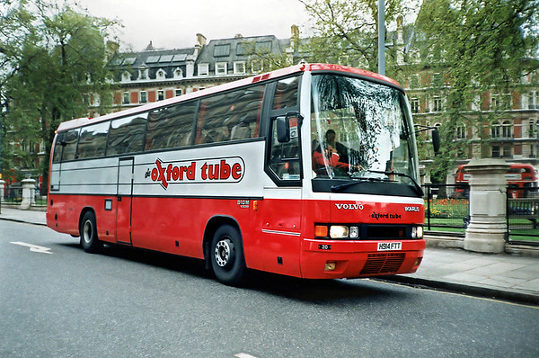 Oxford Tube 20 H914FTT, London Victoria 17/5/1991