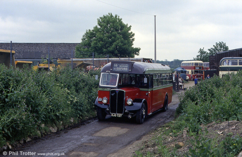 Another view of City of Oxford AEC Regal III/Willowbrook B32F 727 (OJO 727) in action near the Oxford Bus Museum in 1993.