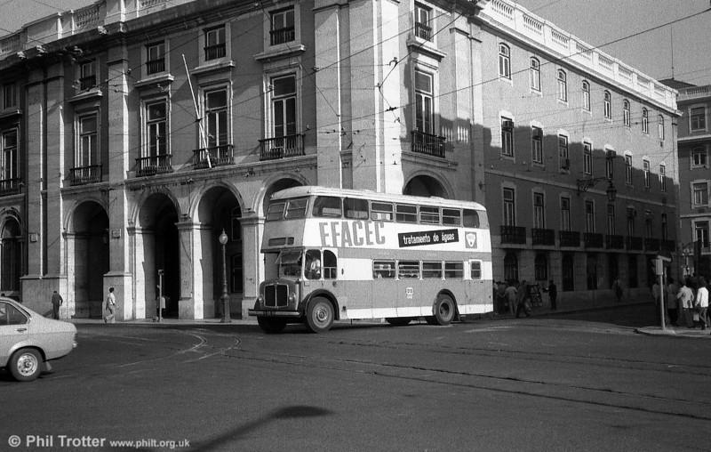 Regent V 667 (II-93-010 at Praça do Comércio.