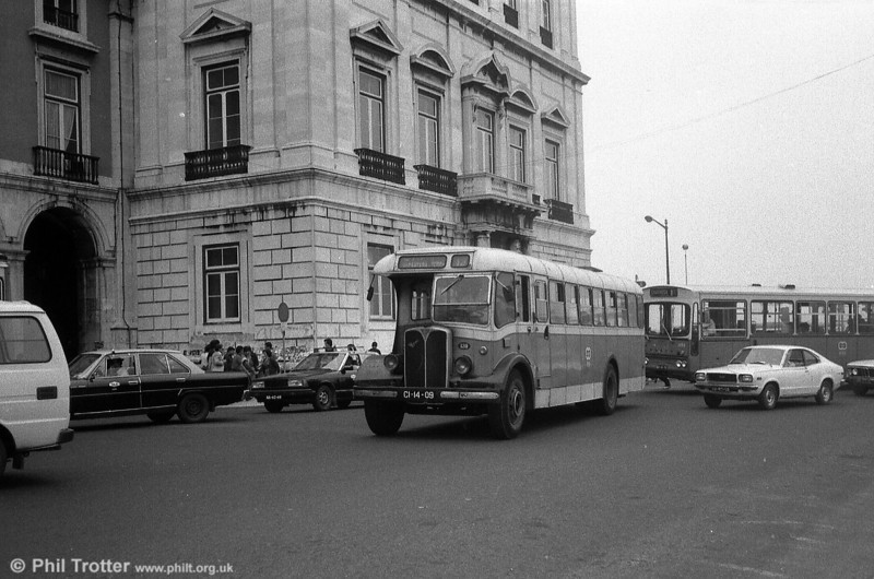 AEC Regal III 139 (CI-14-09). A journey in a Lisbon taxi can be an interesting experience!