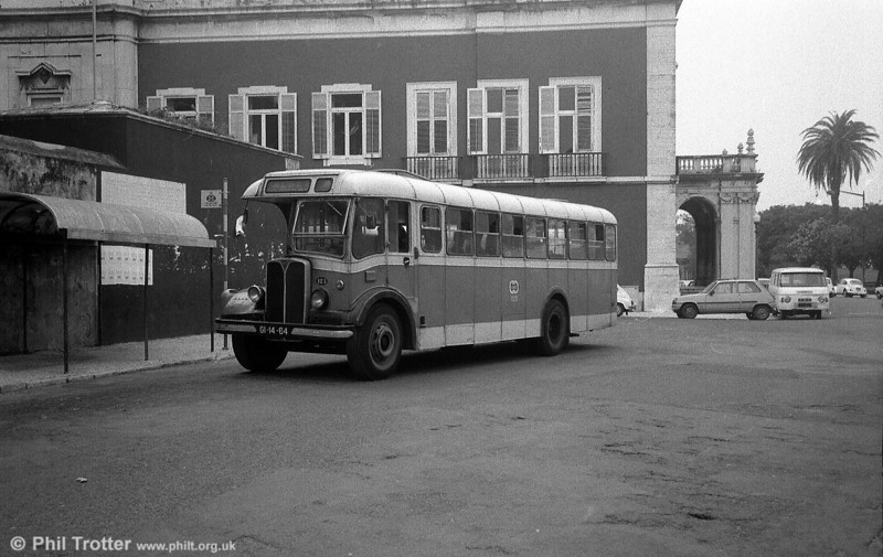125 (GI-14-64) was another of the rebodied AEC Regal IIIs to be found on route 13.