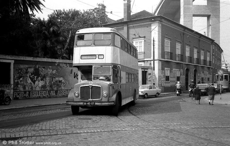 AEC Regent V 431 (IA-42-07), running as training bus V-31 is seen returning to Santo Amaro depot.