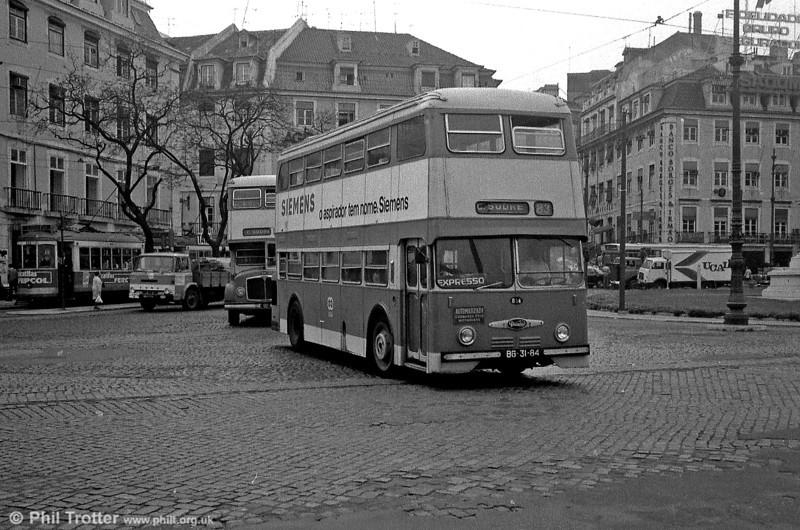 Daimler Fleetline CRG6 834 (BG-31-84) at Cais do Sodre.
