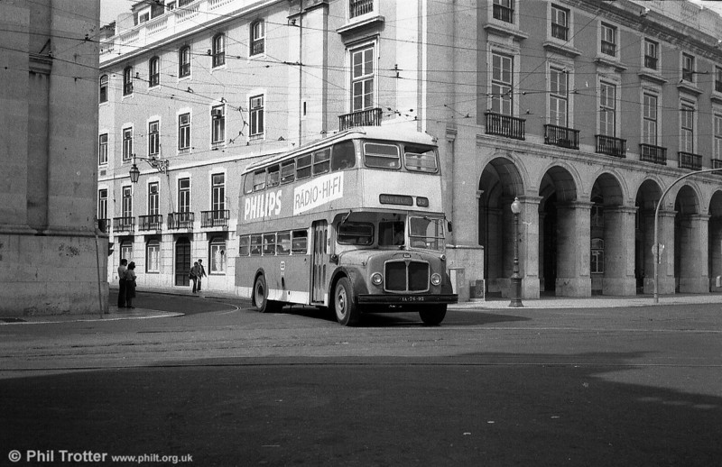 AEC Regent V/Carris H40/33F 634 (IA-76-92). The Mark Vs were finally withdrawn in 1991.