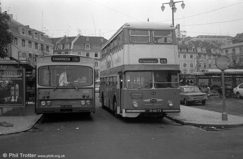 Volvo B58 1155 (AT-63-21) and Daimler Fleetline 814 (BG-31-84) at Cais do Sodre.
