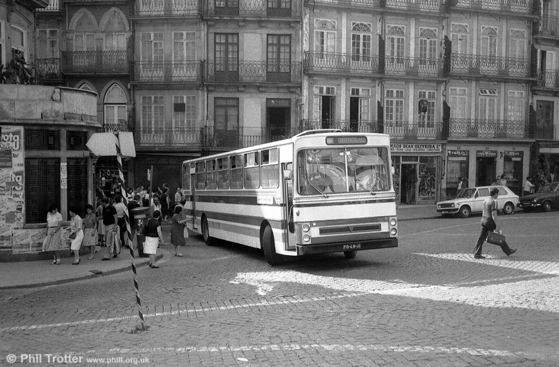 UTIC AEC PO-49-31 at Sao Bento, Oporto.