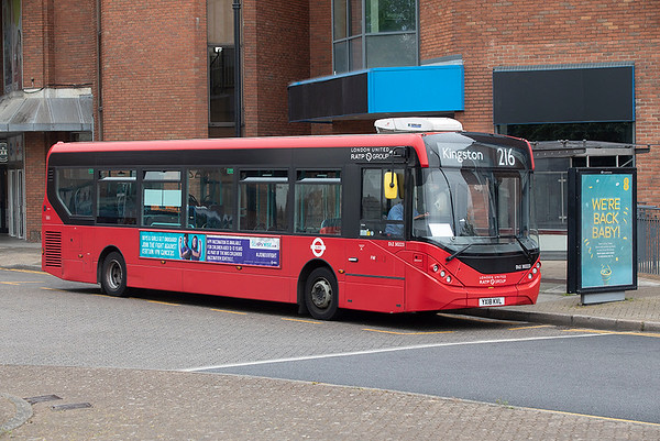 DLE30223 YX18KVL, Staines 28/4/2021
